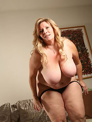 fat-mature-galleries-blonde-nude